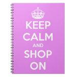 Guarde la calma y haga compras en rosa libros de apuntes