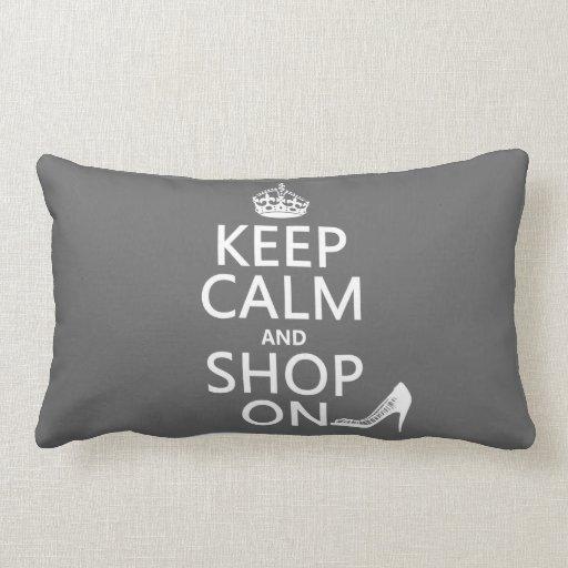 Guarde la calma y haga compras encendido - todos l almohada