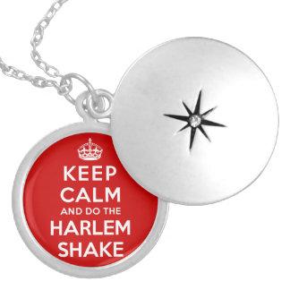 Guarde la calma y haga la sacudida de Harlem Pendiente
