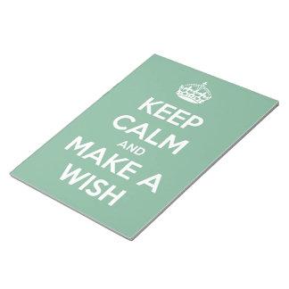 Guarde la calma y haga un deseo el trullo suave bloc de notas
