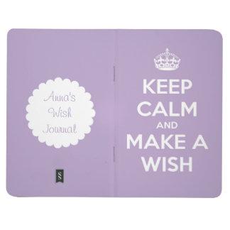 Guarde la calma y haga un diario de la lavanda del cuaderno grapado