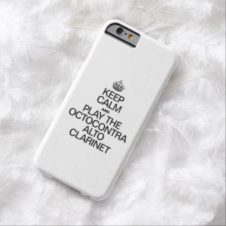 GUARDE LA CALMA Y JUEGUE EL CLARINET DEL ALTO DE FUNDA PARA iPhone 6 BARELY THERE