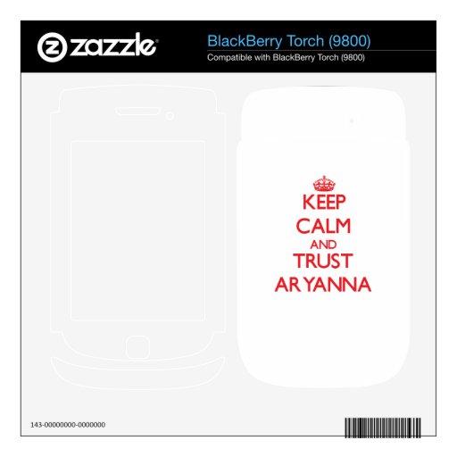 Guarde la calma y la CONFIANZA Aryanna BlackBerry Torch Calcomanía