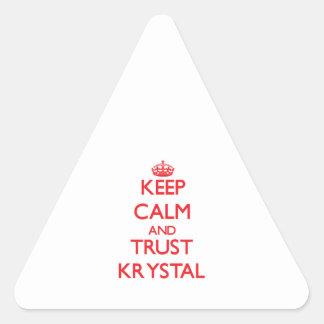 Guarde la calma y la CONFIANZA Krystal Pegatina Triangular