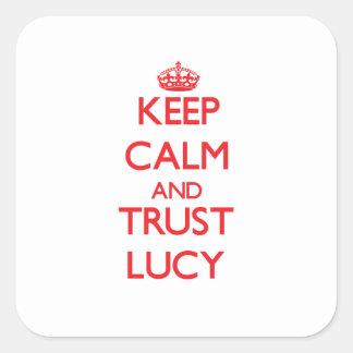 Guarde la calma y la CONFIANZA Lucy Pegatina Cuadradas Personalizada