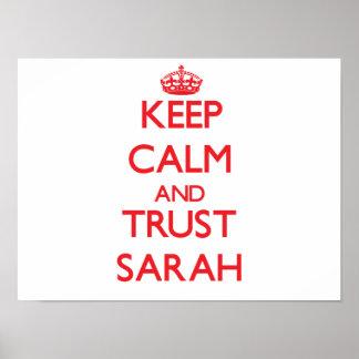 Guarde la calma y la CONFIANZA Sarah Poster