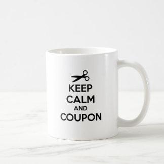 Guarde la calma y la cupón taza de café