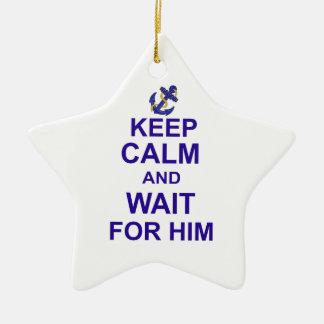 Guarde la calma y la espera para él adorno de cerámica en forma de estrella