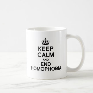 GUARDE LA CALMA Y LA HOMOFOBIA DEL FINAL TAZA BÁSICA BLANCA