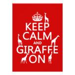 Guarde la calma y la jirafa en (los colores del pe invitación