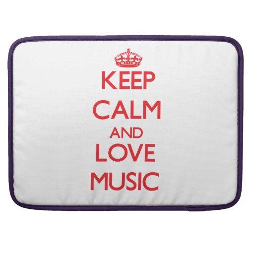 Guarde la calma y la música del amor fundas para macbooks
