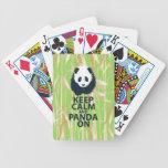 Guarde la calma y la panda en el regalo original baraja cartas de poker