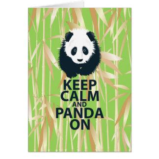 Guarde la calma y la panda en el regalo original d felicitaciones