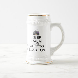 Guarde la calma y la ráfaga del ghetto encendido taza