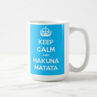 Guarde la calma y la taza de Hakuna Matata