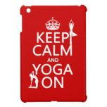Guarde la calma y la yoga en (los colores del pers iPad mini cárcasa