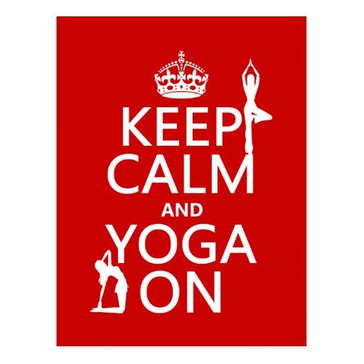 Guarde la calma y la yoga en (los colores del postales