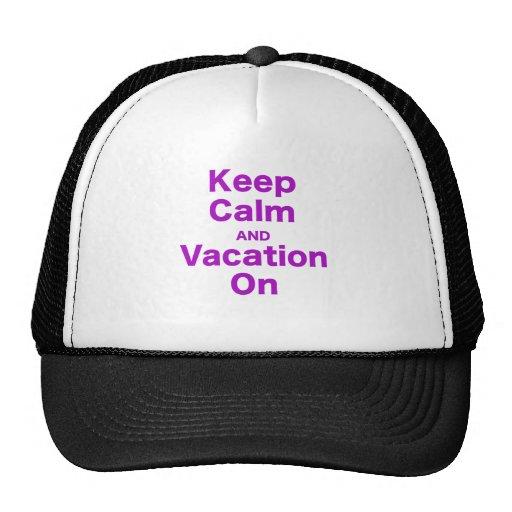 Guarde la calma y las vacaciones encendido gorros