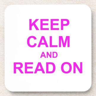 Guarde la calma y lea en rosa posavaso