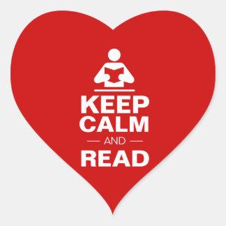 Guarde la calma y lea pegatina en forma de corazón
