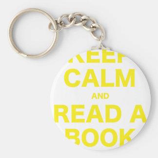Guarde la calma y lea un libro llaveros