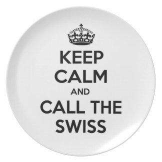 Guarde la calma y llame a los suizos platos para fiestas