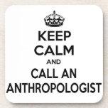 Guarde la calma y llame a un antropólogo posavaso
