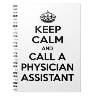 Guarde la calma y llame a un ayudante del médico libretas