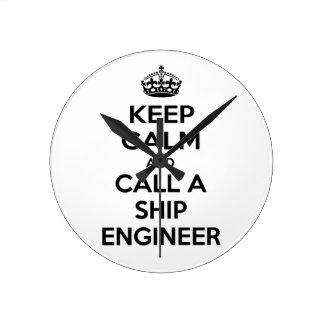 Guarde la calma y llame a un ingeniero de la nave relojes de pared