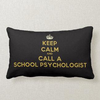 Guarde la calma y llame una almohada del psicólogo