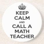 Guarde la calma y llame una matemáticas Teacher.pn Posavasos Cerveza