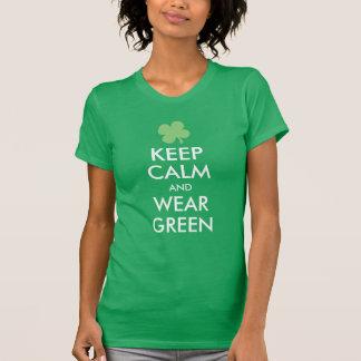 Guarde la calma y lleve el verde polera