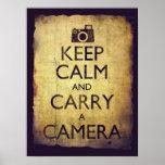 Guarde la calma y lleve estilo del vintage de la c posters