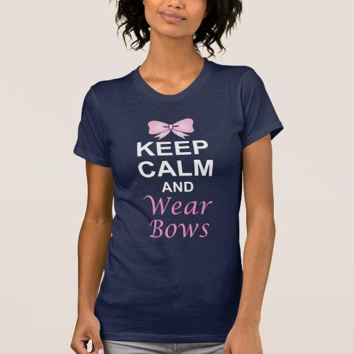 Guarde la calma y lleve los arcos camisetas