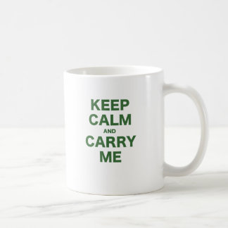 Guarde la calma y lléveme taza clásica