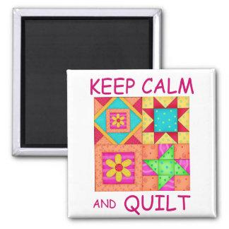 Guarde la calma y los bloques coloridos del imán cuadrado
