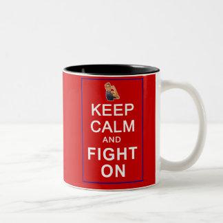 Guarde la calma y luche en las derechas para mujer tazas de café