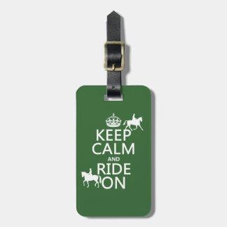 Guarde la calma y monte encendido - los caballos, etiquetas para maletas