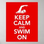 Guarde la calma y nade en la impresión o el poster