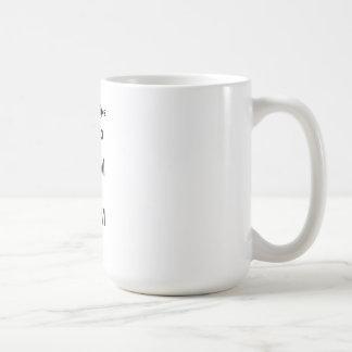 Guarde la calma y nade encendido taza