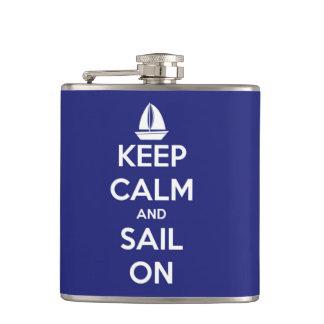Guarde la calma y navegue en el azul personalizado
