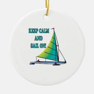 Guarde la calma y navegue encendido adorno redondo de cerámica