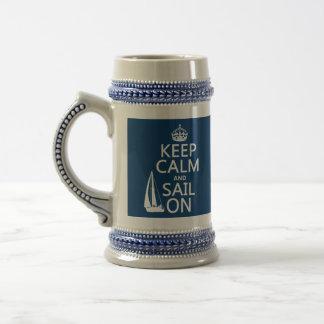 Guarde la calma y navegue encendido - todos los jarra de cerveza