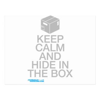 Guarde la calma y oculte en la caja postales