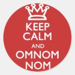 Guarde la calma y OmNom Nom Pegatinas Redondas