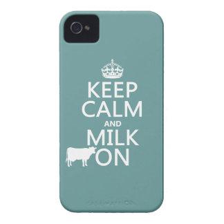 Guarde la calma y ordeñe en (las vacas) (en todos iPhone 4 Case-Mate carcasa