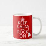 Guarde la calma y oscile en (guitarra) (cualquier  tazas de café