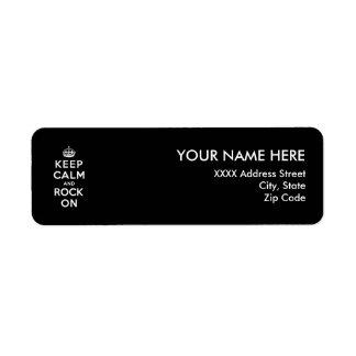 Guarde la calma y oscile encendido etiqueta de remitente