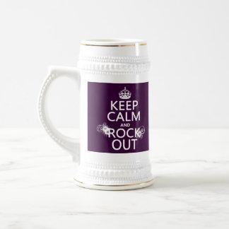 Guarde la calma y oscile hacia fuera (cualquier jarra de cerveza