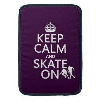 Guarde la calma y patine en rollerskates cualqu fundas para macbook air